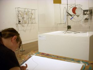 Sabine Reinhard zeichnet Kunstmaschinen in Basel